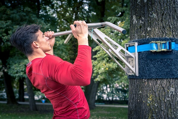 Outdoor Pull-Up Bars - All Different Types & What You Need ...