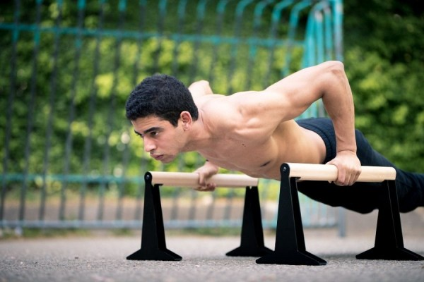 parallettes-exercises-beginners