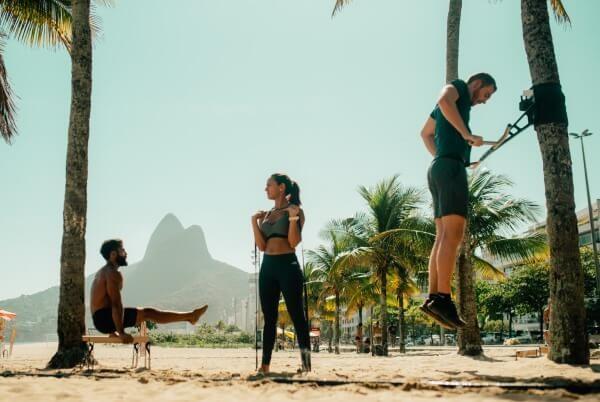 travel-workout-beach