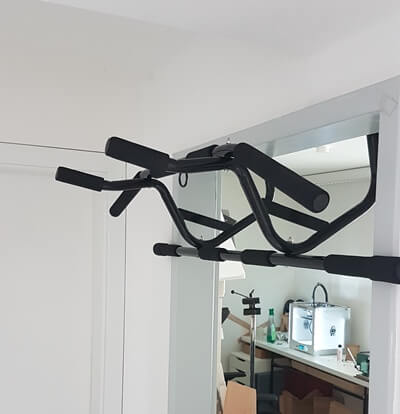 travel doorway pull up bar